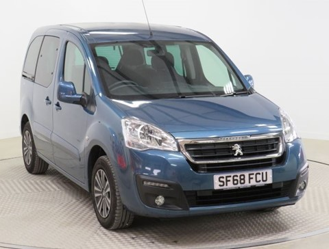 Used Wheelchair Accessible vehicle Peugeot Partner 1.6BlueHDi 100 Active automatic
