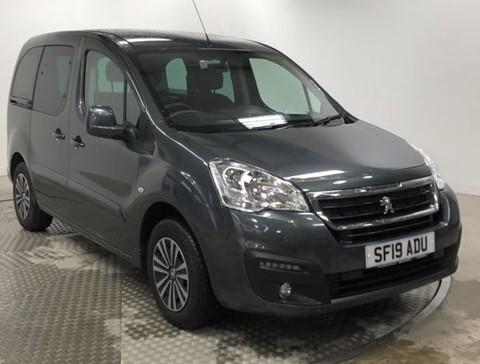 Nearly New WAV Peugeot Partner 1.6BlueHDi 100 Active manual flexi -seating