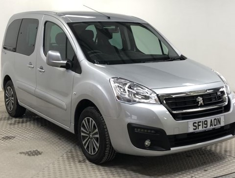 Nearly New WAV Peugeot Partner 1.6BlueHDi 100 Active manual