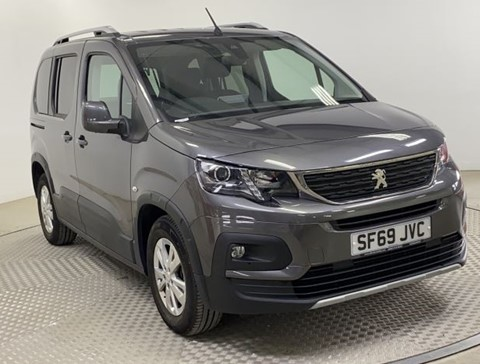 Nearly New WAV Peugeot Rifter 1.5D 100Alu RE manual