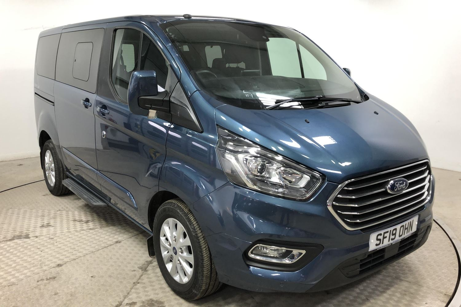 Nearly New WAV Ford Tourneo Custom Titanium 2.0 ltr Titanium L1 automatic 5 seats